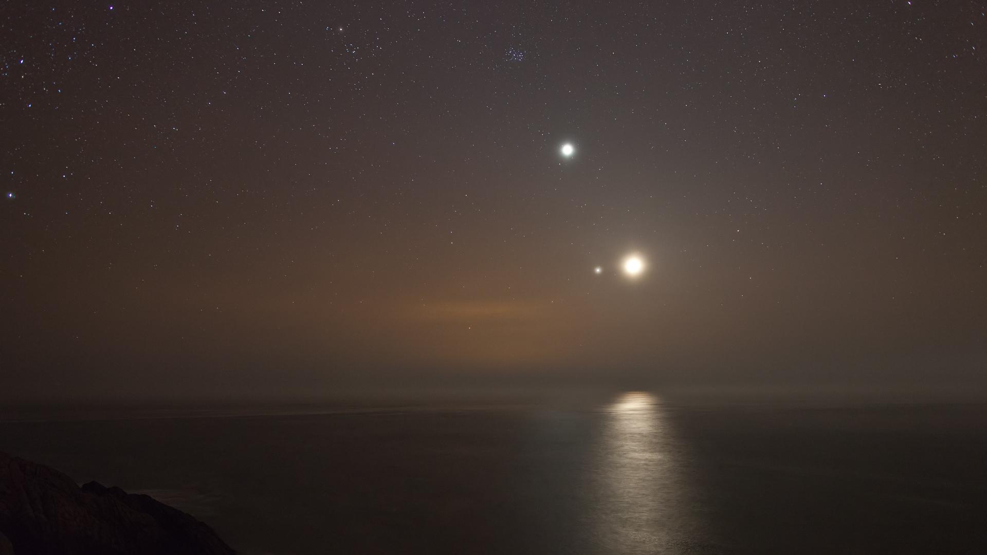 Venus, Jupiter, Moon Conjunction NW Wales