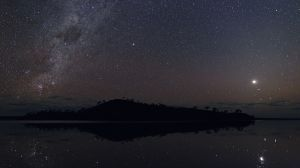 lb-island-venus-and-milky-way-1200